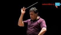 EXKLUZIVNĚ: Dosud nezveřejněné záběry slavného dirigenta Zubina Mehty